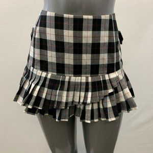 Mossimo Women's Size 13 Black Red Plaid Pleated Mi